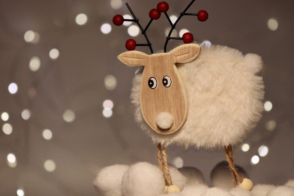 decoración de Navidad blanco y madera