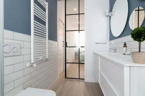 puertas de interior metálicas baño